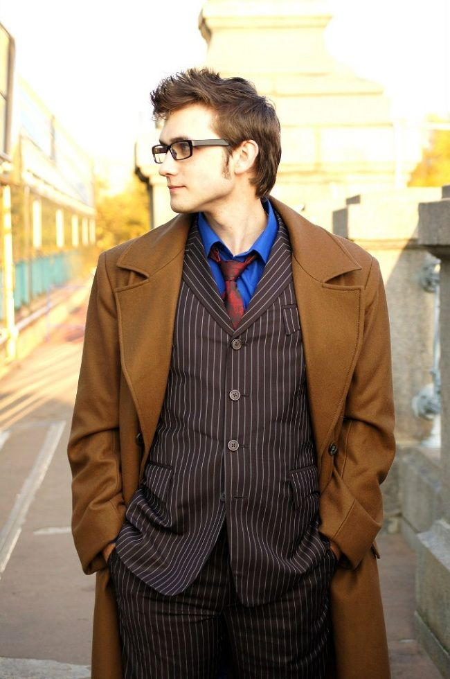 Who is this cosplayer??  He's the only 10th Doctor cosplay I've seen that I like!  cosplay-doctorwho-tenth-doctor-David-Tennant-4