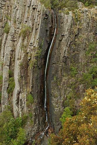 water falls tazmania   ralphs falls ralphs falls is a spectacular waterfall that plummets ...