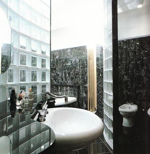 Bagno in marmo e vetro mattone - 03