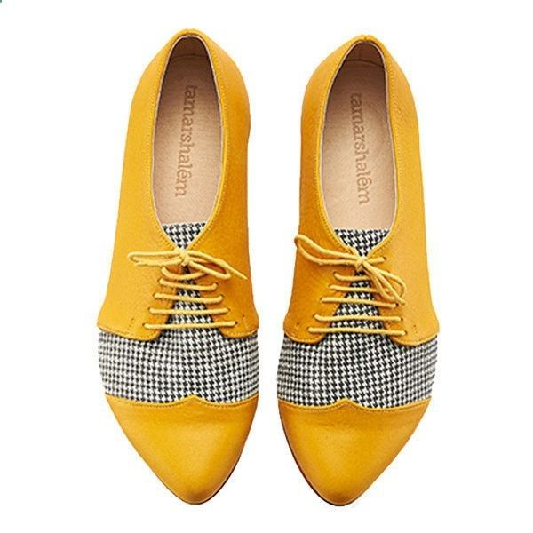 Sapato amarelo Winter Yellow Pepita Oxford Shoes Polly Jean Handmade Flats Leather... ($168) ❤ liked on Polyvore featuring shoes, oxfords, silver, womens shoes, leather brogues, yellow shoes, flat oxfords, low heel shoes and yellow oxfords