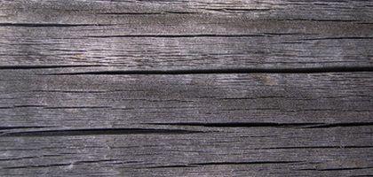 Wie man neues Holz alt aussehen lässt | eHow Deutschland