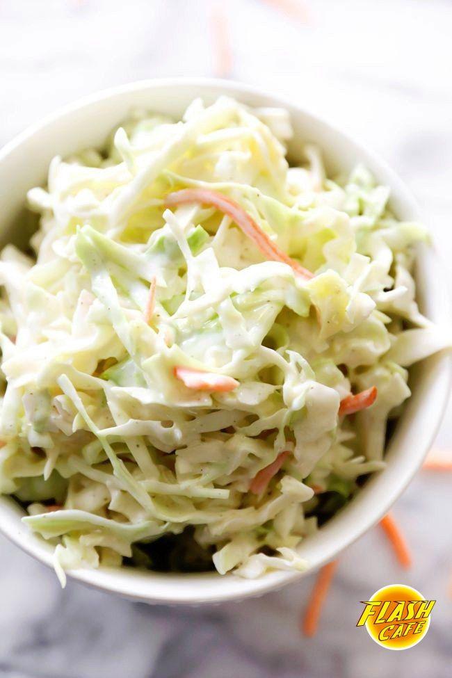 Салат капустный Ингредиенты: Капуста нашинкованная - 6 ст Морковь - 2 шт Лук красный - 1 шт Укроп - 15 г Натуральный йогурт - 1/2 ст Горчица с зернами - 2 ст. л Вода - 1 ст. л Лимонный сок - 2 ч. л Соль, перец - по вкусу Приготовление: Шаг 1 Нашинковать капусту, порезать лук, потереть морковь. Шаг 2 Приготовление заправки для салата: взбить йогурт, горчицу, воду и лимонный сок в большом салатнике. Шаг 3 Добавить овощи и зелень. Перемешать, посолить и поперчить по вкусу. Приятного аппетита:)…