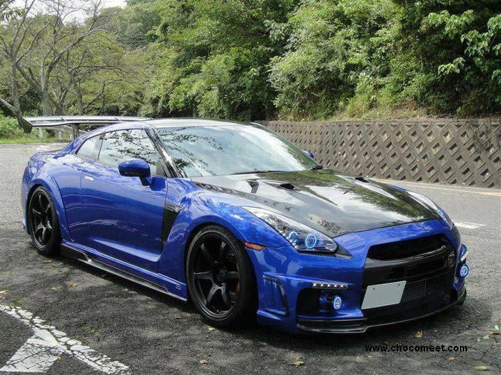 Nissan GT-R bleue et noire.Really nice cars.Please check out my website thanks. www.photopix.co.nz