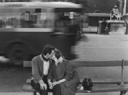 Gianni Berengo Gardin #kiss #love #bench