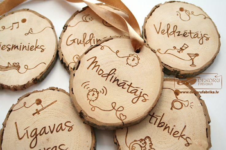 Kāzu amatu medaļas http://www.dekorufabrika.lv/lv/online-store/details/113/77/suven%C4%ABri-un-d%C4%81vanas-souvenirs-and-gifts/k%C4%81z%C4%81m-wedding/k%C4%81zu-amatu-meda%C4%BCas