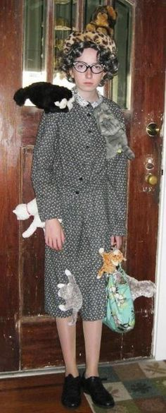 I'm so going as a crazy cat lady next year!