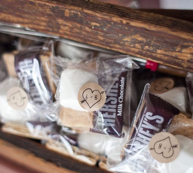 25 Fresh Ideas For Wedding Favors. To see more: http://www.modwedding.com/2014/03/27/25-fresh-ideas-for-wedding-favors/ #weddings #wedding #favor Photo: Audrey Hannah Photo