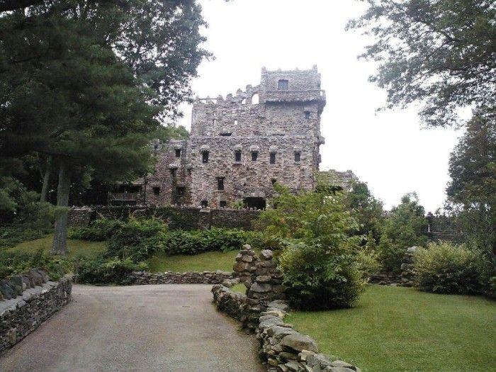 State Parks: Gillette Castle (East Haddam), Hammonasset Beach (Madison), Sleeping Giant (Hamden), Harkness Memorial (Waterford), Silver Sands (Milford), Kent Falls (Kent), Fort Trumbull (New London), Rocky Neck (East Lyme), Devil's Hopyard (East Haddam), Chatfield Hollow (Killingworth), Haystack Mountain (Norfolk), Lovers Leap (New Milford), Burr Pond (Torrington), Collis P. Huntington (Redding), Penwood (Bloomfield)