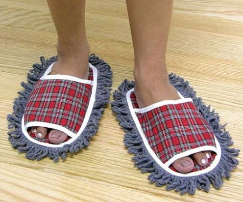 Get some cleaning done around the house without lifting a finger with these dust mopping slippers. You can even up your cleaning efficiency by freeing your hands for other cleaning jobs while you effortlessly clean the floors just by walking around.