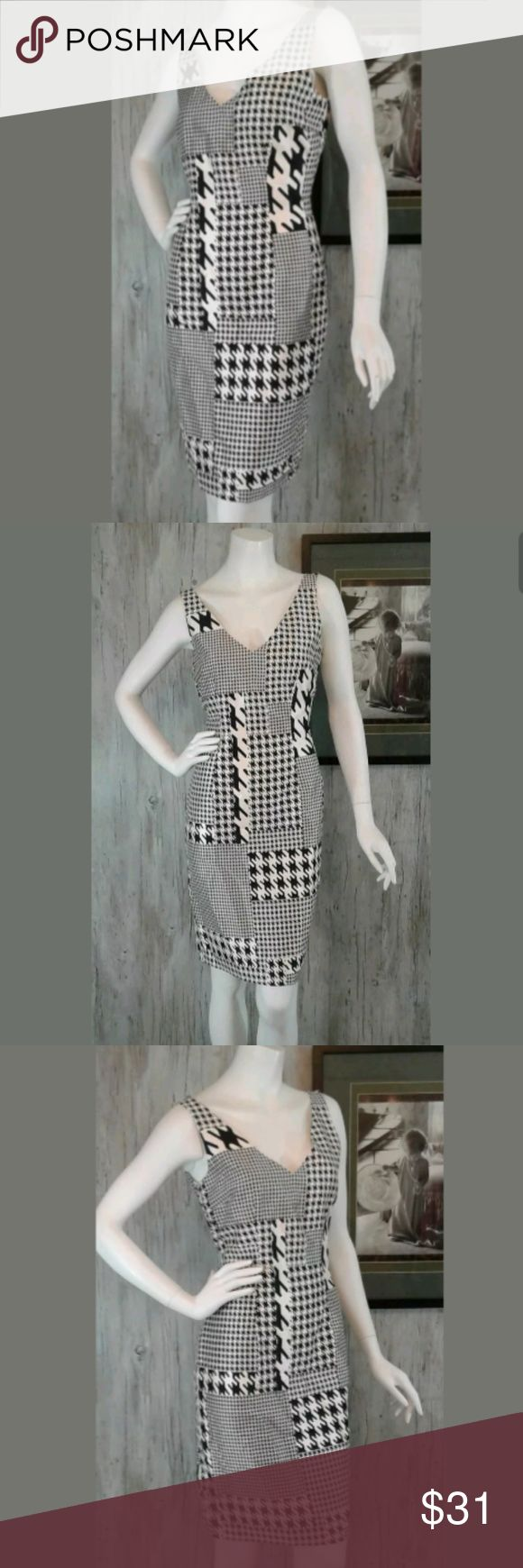"Kay Unger Womens Dress 6 100% Silk Kay Unger Womens Dress 6 100% Silk Sheath Black White Houndstooth V-Neck  * Gently Owned ~ Great Condition * Chest 17.5""   Laying Flat * Waist 15.25"" * Length 30.5"" Measurements Are Approximate  * Smoke Free ~ Pet Free Environment * Fast Shipping K320 Kay Unger Dresses"