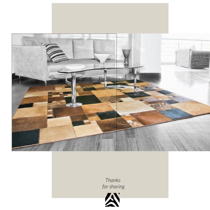 African Leather Tapetes. Medellín Colombia. Diseño y espacio de una clienta. Cowhide rugs. Tapes de cuero en pelo. Cowhide Patchwork Rugs