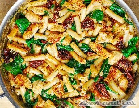 Рецепт Паста с курицей и вялеными томатами - Основные блюда - Cook and Eat