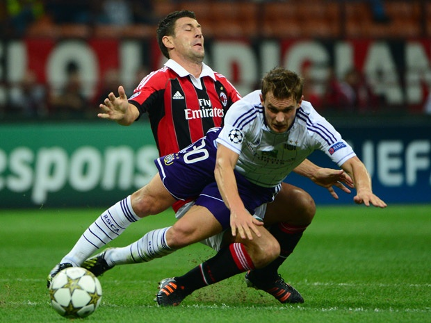 Fans hound AC Milan after scoreless Champions League draw