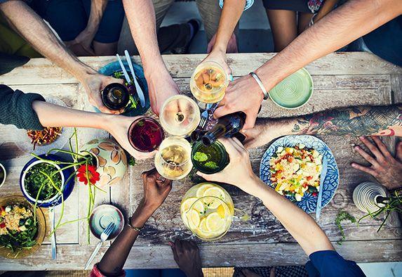Kokkikoulu tai kokkisota on suosittu ohjelmanumero tiimeille