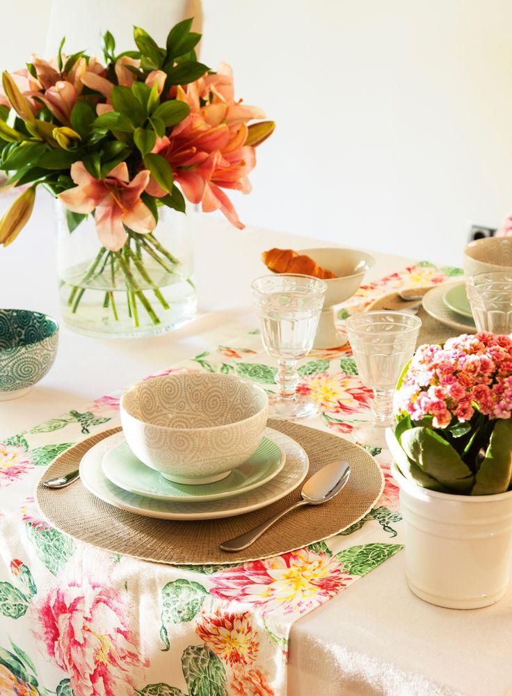 30 ideas buenísimas para decorar tu casa de primavera Rustic Napkin Rings, Rustic Napkins, Table Setting Inspiration, Happy Kitchen, Portuguese Tiles, Ideas Para Fiestas, Toscana, White Clay, Spring Home