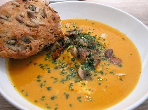http://grillvenner.dk/kyllingesuppe-med-sweet-potatoes/#more-2923