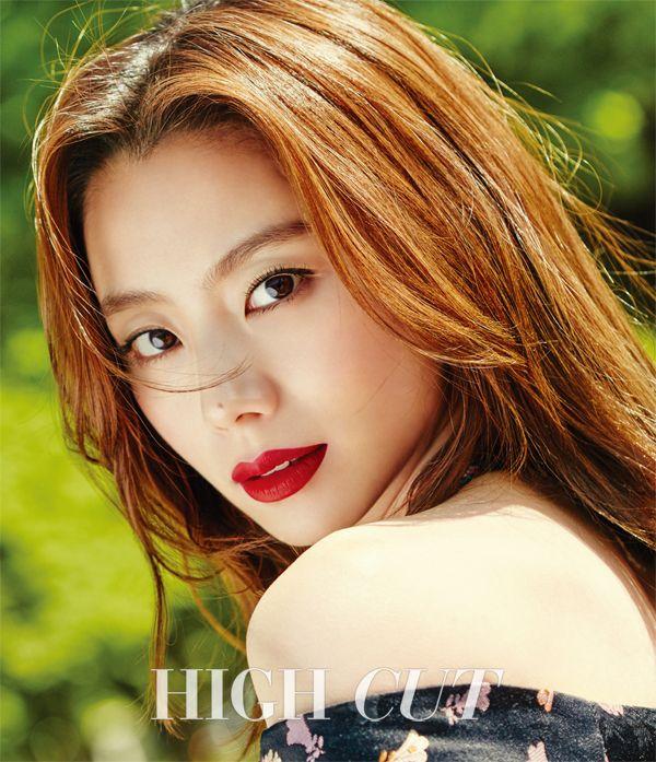 Park Soo Jin bajo el sol de Paris en sesión fotográfica para High Cut