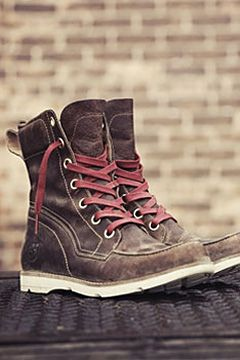 "Women's Earthkeepers® Mosley 6"" Waterproof Boot - Make a bold statement with every step. Se me antojan unas timberland"