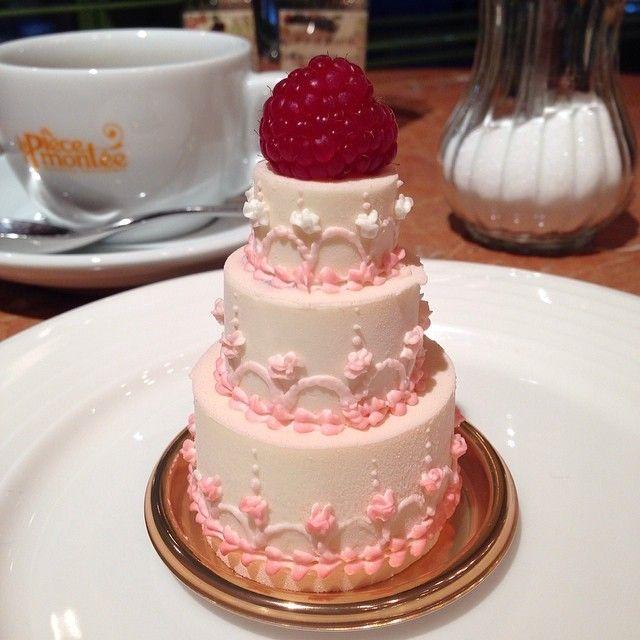 #ラピエスモンテ#新横浜#hanzoya#半蔵屋#sweets#strawberry #cake#ケーキ#可愛い#wedding #結婚式#bridal