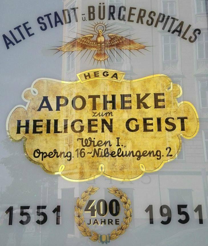 Picture this. Een romantisch hotelletje, net buiten Wenen. Zes dames van middelbare leeftijd die op een idyllische binnenplaats een royaal ontbijt naar binnen werken. Ze moeten de bodem leggen voor…