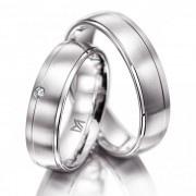 Ga je #trouwen? Ben je op zoek naar #trouwringen voor je #bruiloft. Wat vind je dan van deze prachtige witgouden Meister trouwringen. Strak, klassiek/modern met een zijde mat afwerking. De dames ring is bezet met een briljant geslepen diamant.Meister trouwringen 112.8931.01
