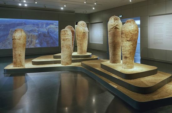 The Israel Museum is ranked among the best museums in the world due to its rich exhibitions made up of artifacts, ancient documents and Israeli art.