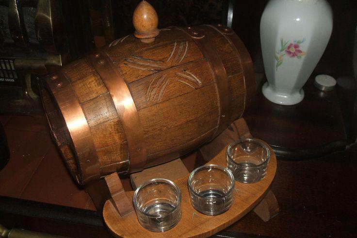 Vtg Oak Reuge Swiss Music Box Granada Keg Barrel Decanter 6 Shot Glasses Mancave