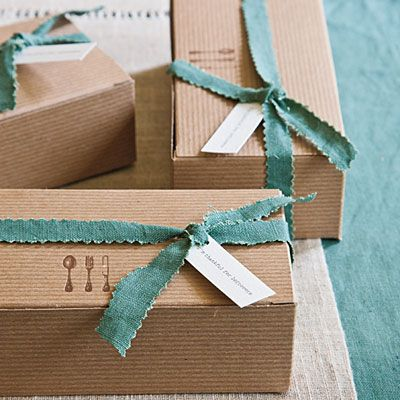Share Leftovers | Simple boxes with letterpress cutlery on the lids allow guests to take home leftovers or sweet treats