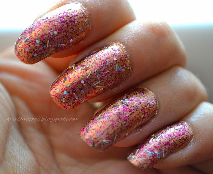http://anaonofrei.blogspot.ro/2014/01/todays-nails-ha.html