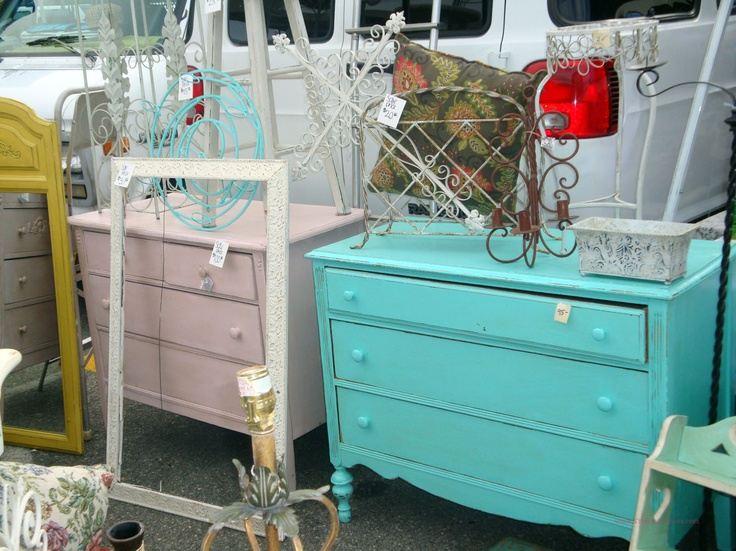 Colorful #vintage Dressers From Thriving Wives   Must Do: Long Beach # Antique Market