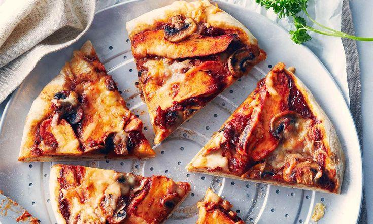 Cette délicieuse recette digne d'un prix vous permet d'utiliser de la sauce barbecue au sirop d'érable, combinaison qui fera exploser les papilles gustatives.  | Le Poulet du Québec