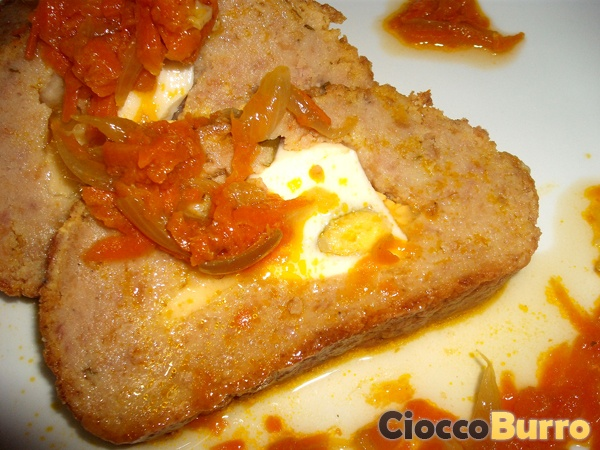 Polpettone (con sughetto di carota e cipolla) - Meatloaf (with carrot and onion sauce)