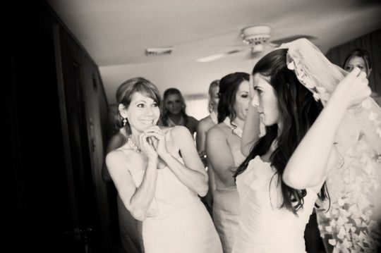 Mother-Daughter Wedding Moments | Oh Lovely Day #lovelymommamoments