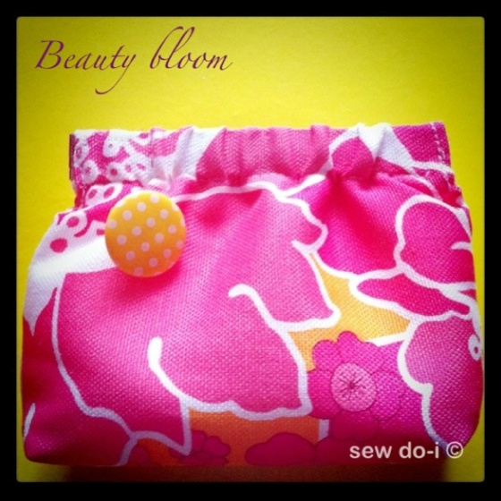 'Beauty bloom', my new handmade purse. I really love its color, so brightly. 6$