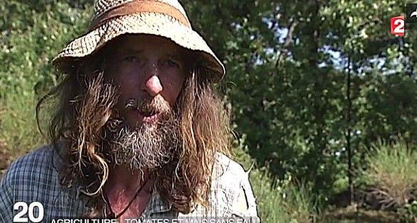 Pascal Poot, agriculteur atypique, fait pousser des légumes sans eau ni pesticides.