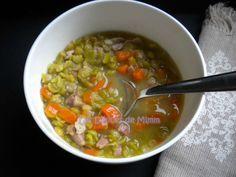 Soupe paysanne aux pois cassés et aux lardons