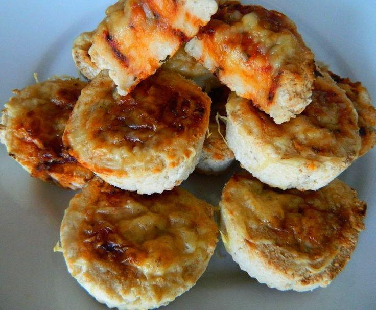 Paleo pizzástekercs     Paleo pizzatekercs recept  Paleo nyújtható tészta hozzávalók:  10 dkg Szafi Fitt Paleo sütőliszt(paleo sütőliszt ITT!) 15 g útifűmaghéjliszt / vagy darált útifűmaghéj(útifűmaghéj liszt ITT!/útifűmaghéj ITT!) 10 g Szafi Fitt tápióka liszt(tápióka keményítő