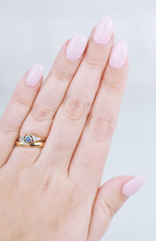 Nails // Essie Minimalistic