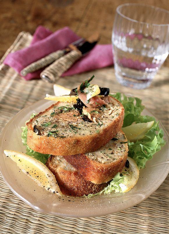 Sei alla ricerca di qualche idea per realizzare gustosi piatti con il tonno in scatola? Prova la nostra selezione di ricette sfiziose.