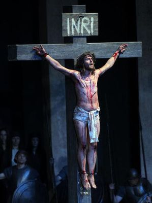 the crucifixion of christ in psalm 22 Psalm 22 foreshadowed the crucifixion of jesus bible passage: psalm 22:1,7,8, 16,17,18 prophet: david written: about 1000 bc people are sometimes curious .