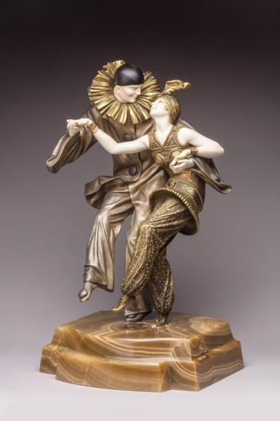 Demeter Chiparus (1886-1947), Fancy dress ou Bal costumé, sculpture chryséléphantine, bronze à patine dorée, argentée et polychrome, h. 49 cm.  Estimation : 32 000/40 000 €  Jeudi 20 juillet, Clermont-Ferrand. Anaf - Jalenques - Martinon - Vassy OVV. M. Eyraud.