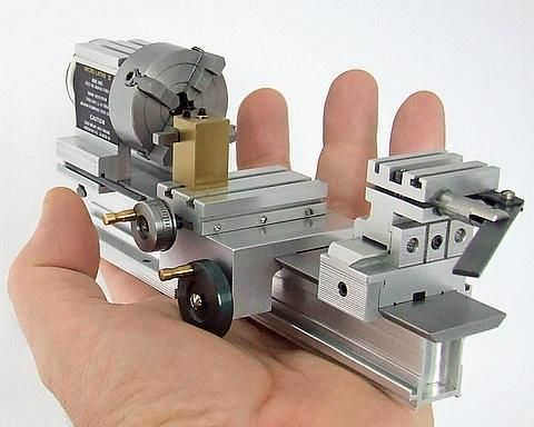 A mini working model of a Taig lathe!  ModelEngines.info