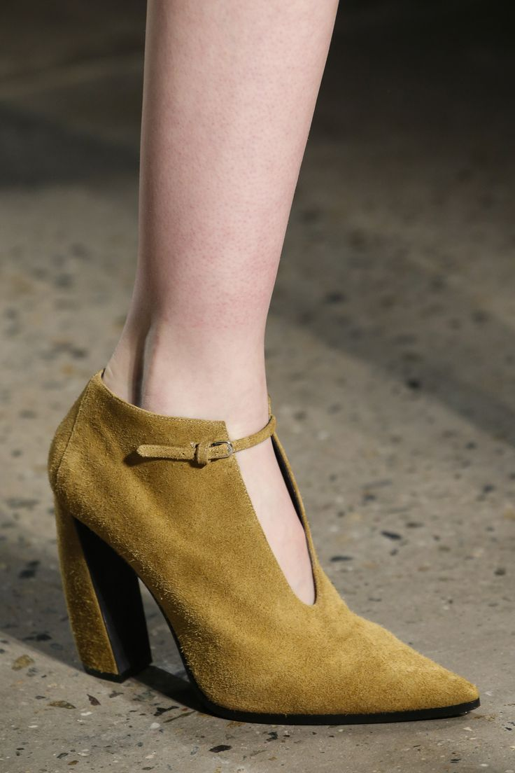 Narciso Rodriguez Fall 2016 Ready-to-Wear Fashion Show Details
