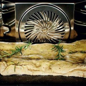 Außen knusprig, innen fluffig! Fünf internationale Rezepte für selbstgebackenes Brot im Dampfgarer von Christian Mittermeier!