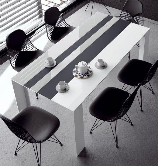 TAVOLE collection  Blanco · gris · negro. Líneas de cristal, combinadas en cristal mate y brillo, estilizada pero de sólida estructura.