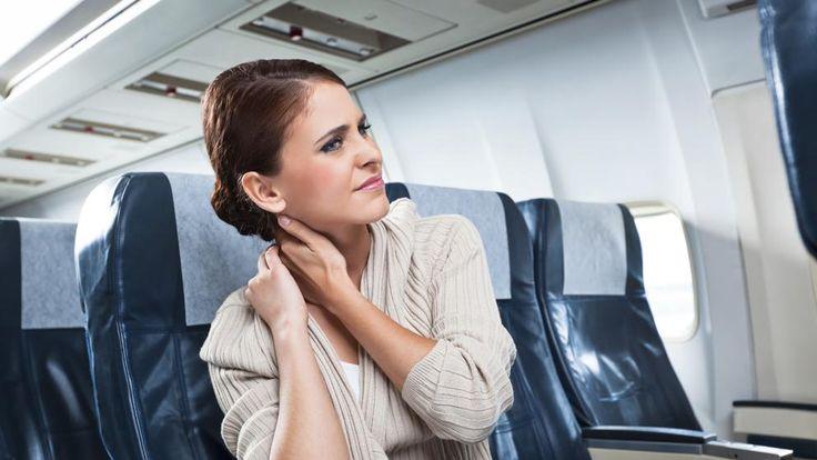 Hacer un viaje indiscutiblemente implica un desplazamiento más o menos largo, esto se traduce en que debemos pasar algunas horas sentados, ya sea en avión, tren o algún automóvil. La incomodidad de...