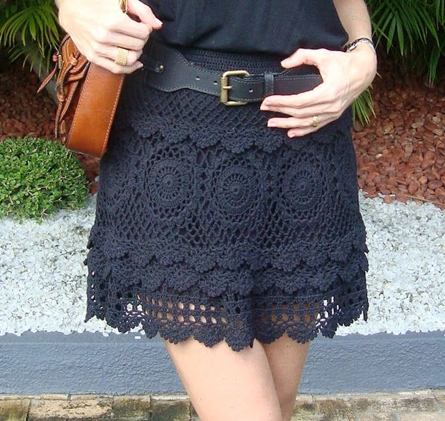 crochet skirt      ♪ ♪ ... #inspiration_crochet #diy GB ::: Love this design and navy color. Looks like an overskit that could be worn with other items. Lorr