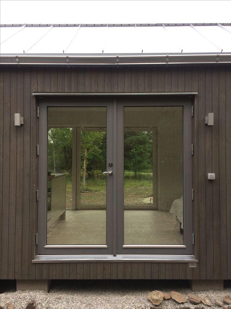 Modulbyggt attefallshus #sommarhus #fritidshus #naturmaterial #skandinaviskdesign #skandinaviskarkitektur