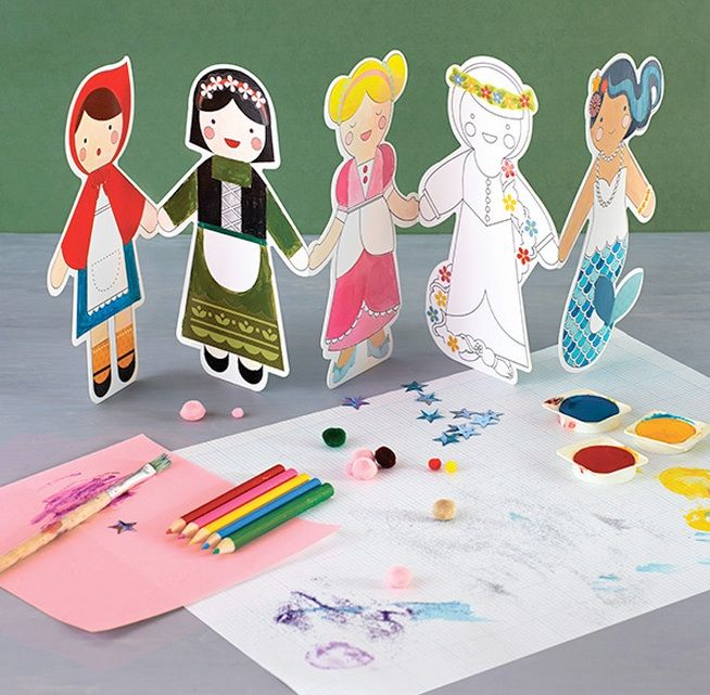 Petit Collage's Fairy Tales Craft & Colour kit is a colourful and fun new take on the classic paper doll chain.  Each kit contains 5 fairy tale dolls measuring approximately 17 cm tall, 20 decorative stickers and 5 coloured pencils to allow children to decorate their dolls in their own unique way!  Encourage their inner artist with this beautifully illustrated educational kit!