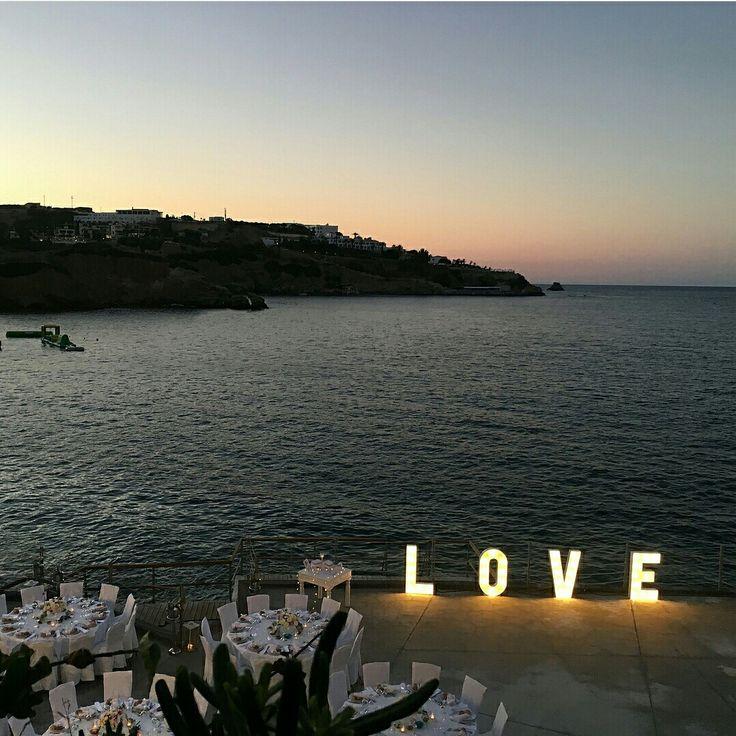 Organize an unforgettable wedding ceremony in Crete, Greece  Photo by instagramer loragalinsky